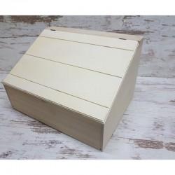 Csapott fedelű tároló doboz